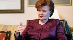 Vaira Vīķe-Freiberga ir skeptiska par iespēju prezidenta kanceleju īslaicīgi pārcelt, piemēram, uz Daugavpili